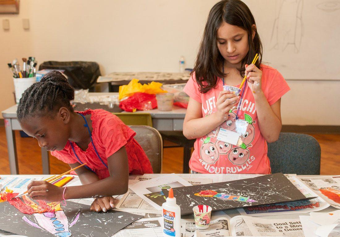 Kids_Making_Painting